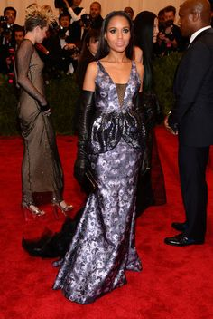 Met Gala: Kerry Washington rocked a custom Vera Wang sleeveless lavender metallic floral gown with black opera gloves.