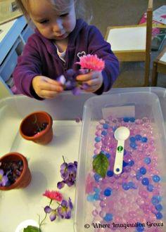 water beads &  flowers spring sensory play