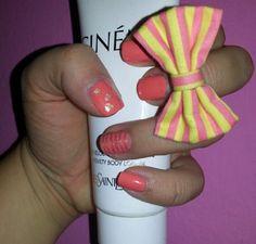 Peach gold nail art