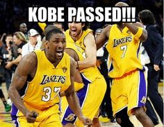 Kobe Bryant: Los Angeles Lakers Shooting Guard's 15 Funniest Memes Rangliste Kobe Bryant Memes Lakers Memes, Funny Nba Memes, Funny Basketball Memes, Basketball Quotes, Football Memes, Basketball Pictures, Funny Humor, Basketball Stuff, Girls Basketball