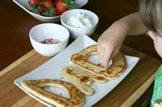 Make Dad pancakes with his name on them (@ Betty Crocker)