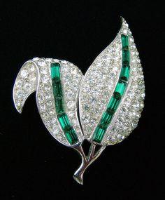 Vintage Leaf Brooch with Clear Pave by ALLUWANTISHERETODAY on Etsy, $25.00 #vjse2 #bestofetsy #boebot #etsybot2 #vintage