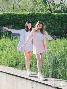 Marishe Korean Fashion Similar Look I Pin By Aki Warinda Matching Outfits Best Friend, Best Friend Outfits, Couple Outfits, Mode Ulzzang, Ulzzang Korean Girl, Fashion Couple, Girl Fashion, Korean Best Friends, Bff Girls