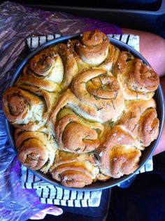Twirly wirly garlic and herb bread in the thermomix