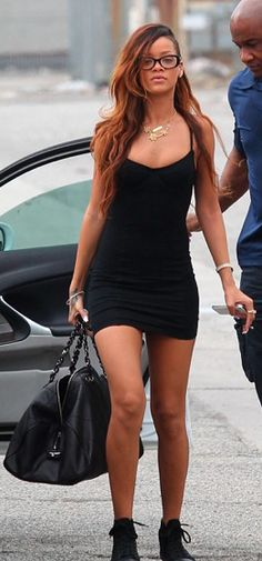 Rihanna beautiful with glasses