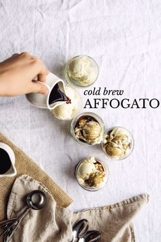 Food photography / from above / bright / cold brew affogato Frozen Desserts, Frozen Treats, Just Desserts, Cold Desserts, Dessert Recipes, Slow Cooker Desserts, Pavlova, Coffee Love, Coffee Shop