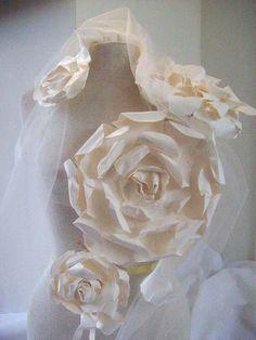 FrenchBlue: Huge White Paper Flowers!