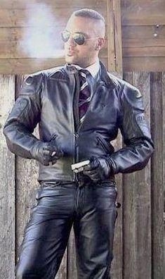 Leather Men, Leather Pants, Men Smoking, Bradford, Woman, Guys, Jackets, Inspiration, Fashion