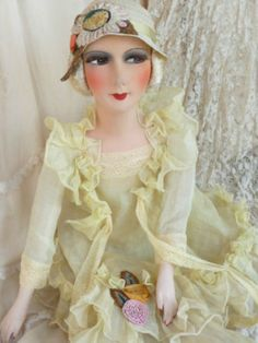 ANTIQUE-FRENCH-BOUDOIR-DOLL-FLAPPER-PARIS-C-1920-FASHION-DOLL-EMBROIDERED-HAT