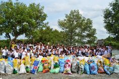 """185 students from the Elohist University Clubs Association in Metro Manila joined the 3438th Worldwide Cleanup Campaign, entitled """"Green Campus Cleanup"""""""