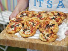 So lieben wir Fingerfood! Kleine Pizzen - smarter - Zeit: 25 Min. | eatsmarter.de
