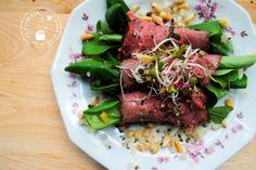 Deze rosbiefrolletjes moet je echt proberen. Lekker, simpel en een perfect hapje, voorgerechtje of als aanvulling op een salade.