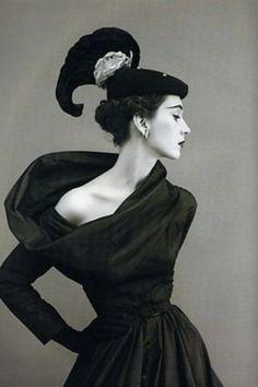 Balenciaga beauty  - Vintage 1950