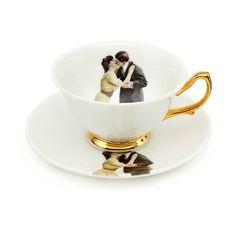 www.melodyrose.co.uk wp-content uploads 2015 06 Melody-Rose-Kissing-Couple-teacup1.jpg