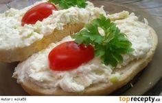 Hermelínovo-nivová pomazánka Baked Potato, Camembert Cheese, Mashed Potatoes, Pesto, Recipies, Soup, Toast, Vegetarian, Yummy Food
