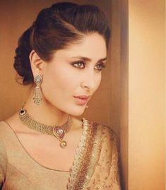Kareena Kapoor, Bollywood Celebrities, Bollywood Actress, Bollywood Style, Diy Hairstyles, Wedding Hairstyles, Hairstyle Ideas, Saree Hairstyles, Elegant Hairstyles