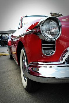 Oldsmobile by wayne's eye view, via Flickr