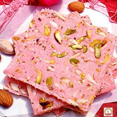 Mahim/bombay Ice Halwa recipe by Sonia Shringarpure at BetterButter Fig Recipes, Sweet Recipes, Cooking Recipes, Indian Dessert Recipes, Indian Sweets, Paan Ice Cream Recipe, Thing 1, Cupcakes, Middle Eastern Recipes