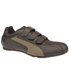 Puma Male Richmond Leather Upper Fashion Trainers in Dark Brown PUMA Richmond The Richmond from Puma is an exciting new low profiled trainer from the brand. It has a leather upper with overlay detail on the toe and perforation detail on vamp and tongue. Finished w http://www.comparestoreprices.co.uk/trainers/puma-male-richmond-leather-upper-fashion-trainers-in-dark-brown.asp