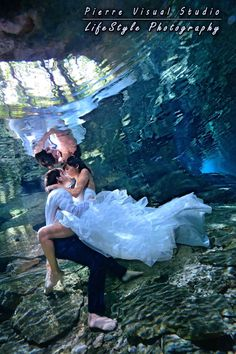 Cenote Trash The Dress #underwaterTrashTheDress  #underwater  #underwatersession #underwaterphotography #Cenotes #TrashTheDress #Rivieramaya #cancun #playadelcarmen  #caribbean #destinationwedding
