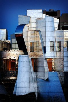 Weisman Art Museum, University of Minnesota, Minneapolis, US, 1990-2011 | Frank Gehry
