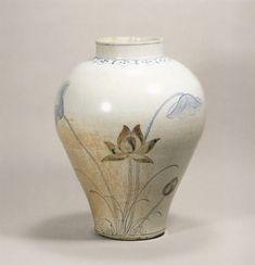 (Korea) Blue and white porcelain pottery. ca century CE. Korean Pottery, Japanese Pottery, Japanese Art, Porcelain Ceramics, Ceramic Pottery, Ceramic Art, Korean Art, Asian Art, Korea Blue