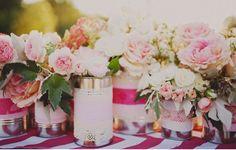 De jolis vases en conserve customisés avec du masking tape