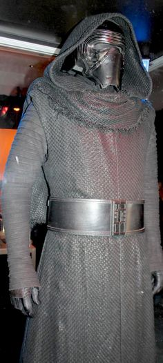 Kylo Ren - Star Wars Episode VII The Force Awakens @ Walt Disney Pictures / Lucasfilm