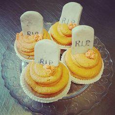 Cupcake da brivido! #PasticceriaSuMisura #cupcake #Halloween #Lecco