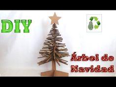 Diy Árbol de Navidad. Reciclaje de cartón para hacer un Árbol de Navidad desmontable.