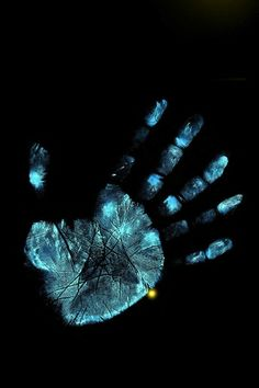 205 Best Hands Images Hand Wallpaper Iphone Wallpaper Best