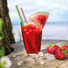 Leckeres Bio-Eistee-Rezept mit Kirschsaft. Pint Glass, Beer, Tableware, Iced Tea Recipes, Juice, Cherries, Root Beer, Ale, Dinnerware