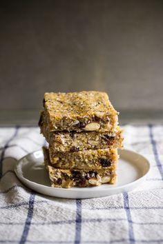 breakfast friday >> no-bake polenta trail mix bars — Edible Perspective Vegan Sweets, Vegan Snacks, Healthy Desserts, Vegan Recipes, Breakfast Bars, Polenta Breakfast, Breakfast Recipes, Baked Polenta, Gluten Free Baking
