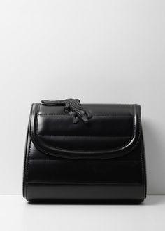 03c086bbea 63 fantastiche immagini su BAGS | Black leather, Backpack bags e ...