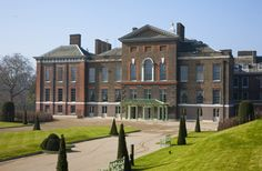LondonLife – The Queen visits the newly transformed Kensington Palace…