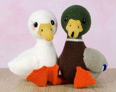 Crochet Pattern Elephant English/ Crochet Elephant PATTERN | Etsy Crochet Elephant Pattern, Crochet Patterns, Crochet Ideas, Bird Patterns, Star Patterns, Cute Diy, Duck Toy, Bazaar Crafts, Little Duck