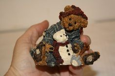 """Boyd's 'Elliot ans Snowbeary' figurine measures approx: 3 1/4"""" x 3"""" x 3"""" from 1994 style #2242 ed/pc# 27E/2393 $10"""