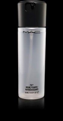 Per fissare il make up non può mancare il FIX + @MACcosmetics
