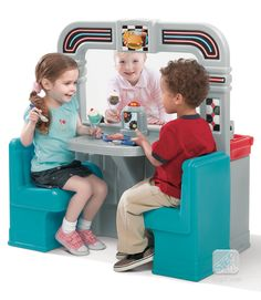 This Retro Diner play set features an oven, grill, fryer and sink for realistic play. Kids Toy Shop, Toy Cars For Kids, Toys For Girls, Kids Toys, 1950 Diner, Retro Diner, Kids Play Kitchen, Toy Kitchen, Kids Wagon