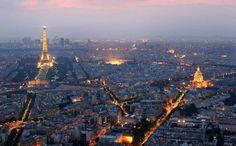 ¿A quién no le apetece visitar París de la mano de su pareja? Pero no a todo el mundo le gustan las aglomeraciones de millones de turistas en los lugares imprescindibles a visitar. Existe otro París.