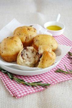 Olive & Rosemary Bread...YUM!