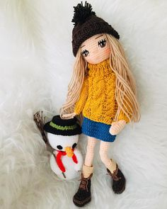 Page Barbie amigurumi – SkillOfKing. Yarn Dolls, Knitted Dolls, Crochet Dolls, Diy Crochet For Beginners, Barbie, New Dolls, Valentine's Day Diy, Easy Crochet Patterns, Crochet Gifts