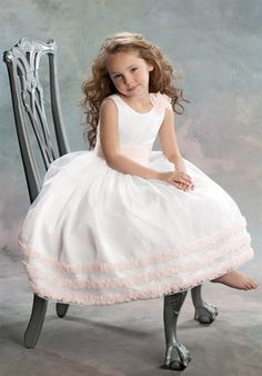 flower girl. Love the soft pink trim.