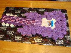 Cupcakes Cakes Pull Apart Music Ideas For 2019 Cupcake Birthday Cake, Easter Cupcakes, Cupcake Cakes, Cupcake Ideas, Pink Dessert Tables, Pink Desserts, Pull Apart Cupcake Cake, Pull Apart Cake, Guitar Cupcakes