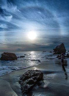 opticallyaroused:  whatzyourfantazy:  Sunrise