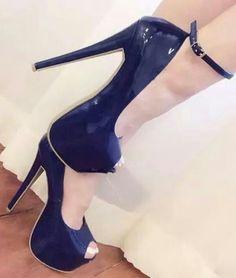 Shoes/Dorothy Johnson