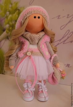 Купить или заказать Текстильная куколка- малышка Лолочка в интернет-магазине на Ярмарке Мастеров. Текстильная куколка- малышка Лолочка. Рост 29 см., стоит сама. Сшита из кукольного трикотажа. Волосы- кукольные трессы. Одета в фатиновую юбочку, трикотажные бриджи, вязаный свитер и шапочку, меховой жилет. На ножках кукольные кеды. В ручках вязаная сумочка.