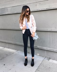 pink bomber for running around today Outfits Otoño, Casual Outfits, Fashion Outfits, Women's Fashion, Mode Style, Style Me, Bomber Jacket Outfit, Look Jean, Cute Comfy Outfits