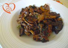 Funghi secchi in padella  http://www.cuocaperpassione.it/ricetta/81301f4c-9f72-6375-b10c-ff0000780917/Funghi_secchi_in_padella