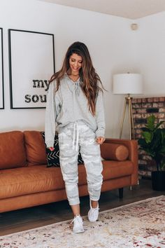 28 ideas clothes fall comfy for 2019 Comfy Fall Outfits, Trendy Outfits, Cute Outfits, Fashion Outfits, Fashion Fall, Nike Fashion, Fasion, Lounge Outfit, Lounge Wear
